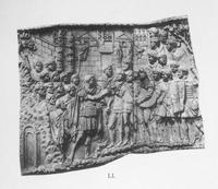 Abb. 1 Abbildung 1: Relief LI der Trajanssäule (aus K. Lehmann-Hartleben, Die Trajanssäule. Ein römisches Kunstwerk zu Beginn der Spätantike [Tafelband], Berlin/Leipzig 1926, Taf. 25).